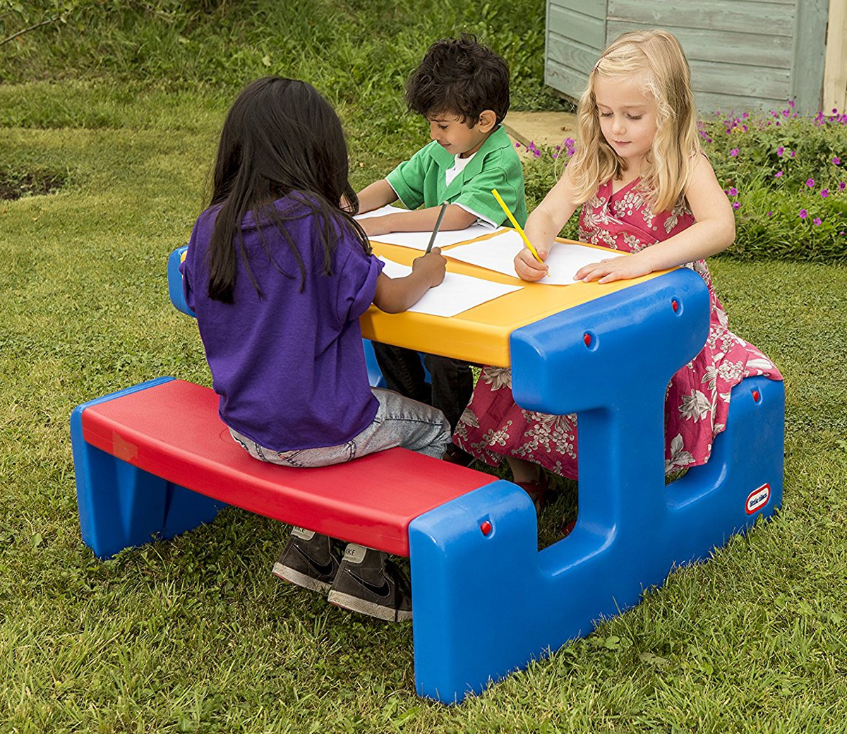 Little Tikes Junior Picnic Table : Junior picnic table