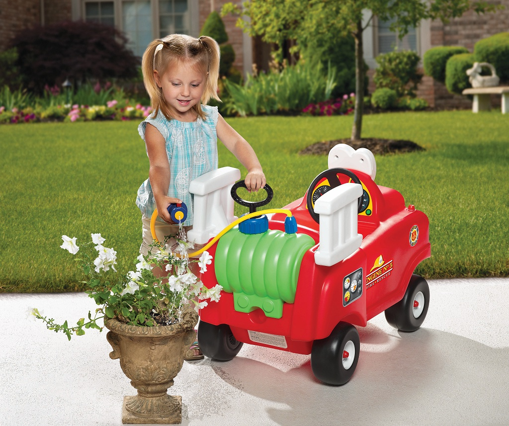 Spray Amp Rescue Fire Truck Little Tikes